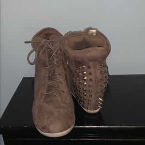 Brown lace-up spiked bootie